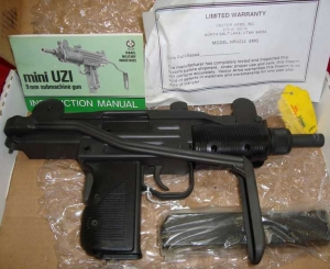 MINI_UZI_SBR_9MM_4db7b81f0d68e.jpg