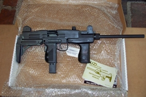 UZI_9MM_RIFLE_4d9372c950539.jpg