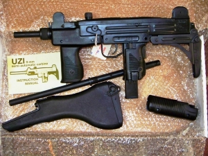 UZI_9MM_SBR_PACK_4da84e865d678.jpg