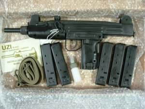 new 93k and uzi pistol pics 023